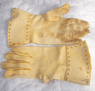 gloves with heart cutouts